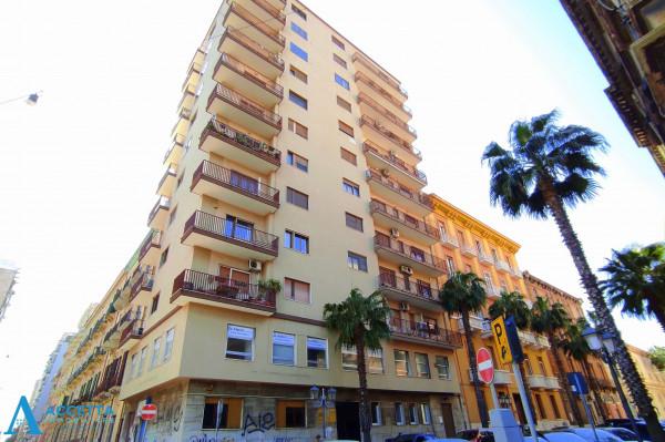 Ufficio in affitto a Taranto, Borgo, 167 mq