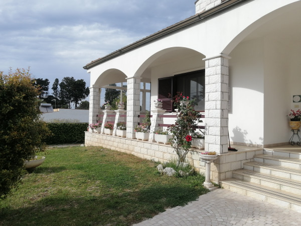 Villetta a schiera in vendita a Lecce, Periferia, Con giardino, 380 mq - Foto 5