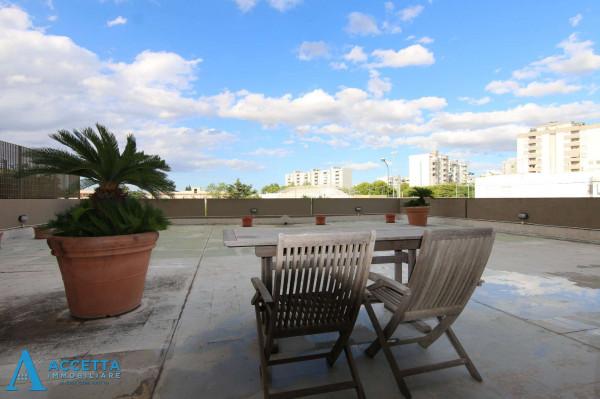 Appartamento in vendita a Taranto, Lama, Con giardino, 63 mq