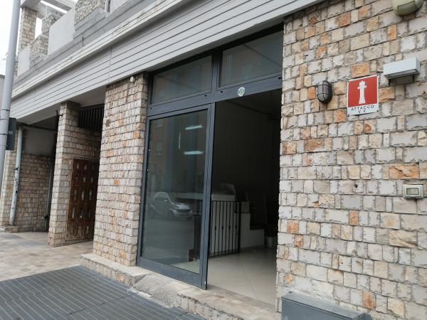 Locale Commerciale  in affitto a Lecce, Ariosto, 220 mq - Foto 5