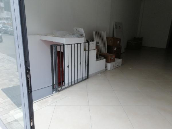 Locale Commerciale  in affitto a Lecce, Ariosto, 220 mq - Foto 2