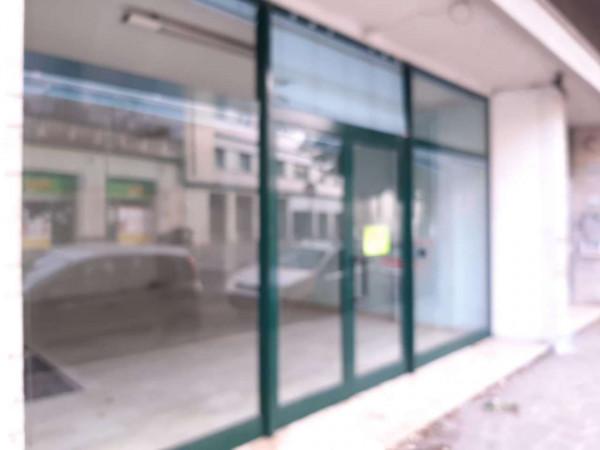 Locale Commerciale  in affitto a Teramo, Via Cona, 70 mq - Foto 1