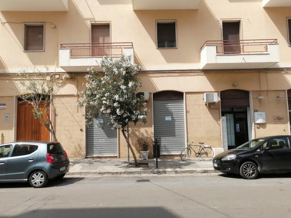 Locale Commerciale  in vendita a Lecce, Mazzini, 70 mq - Foto 1
