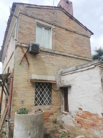 Casa indipendente in vendita a Monte San Pietrangeli, Semicentro, Con giardino, 90 mq - Foto 6