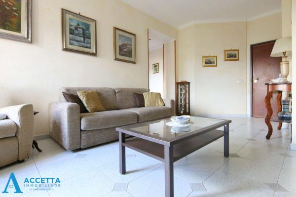 Appartamento in vendita a Taranto, Rione Italia, Montegranaro, 72 mq