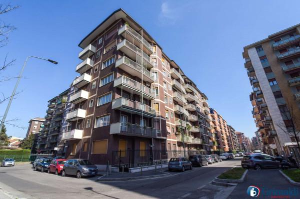 Appartamento in vendita a Milano, Bande Nere, 65 mq