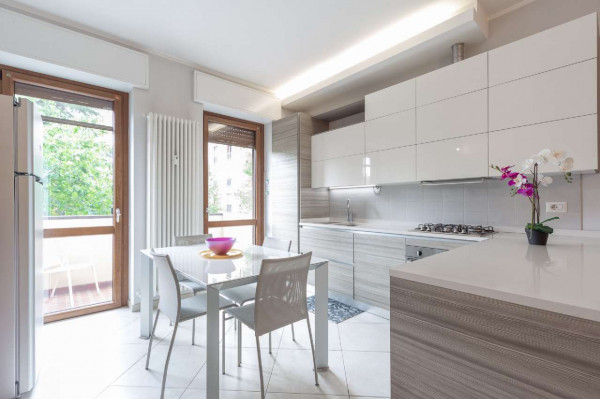 Appartamento in vendita a Milano, Vigentino, Con giardino, 82 mq