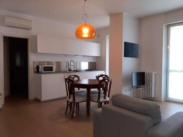 Appartamento in affitto a Milano, Guarneri, Arredato, con giardino, 70 mq