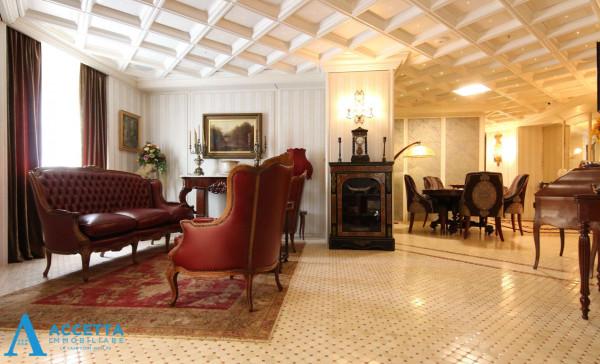 Appartamento in vendita a Taranto, San Vito, Con giardino, 230 mq - Foto 1
