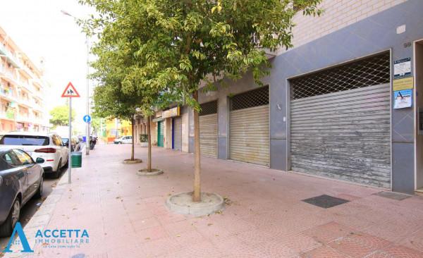 Locale Commerciale  in affitto a Taranto, Rione Italia, Montegranaro, 200 mq - Foto 3