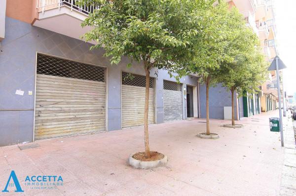 Locale Commerciale  in affitto a Taranto, Rione Italia, Montegranaro, 200 mq - Foto 1