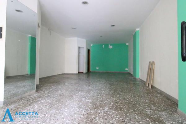 Locale Commerciale  in vendita a Taranto, Rione Italia, Montegranaro, 78 mq - Foto 3