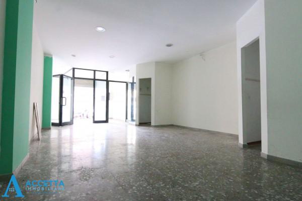 Locale Commerciale  in vendita a Taranto, Rione Italia, Montegranaro, 78 mq - Foto 5