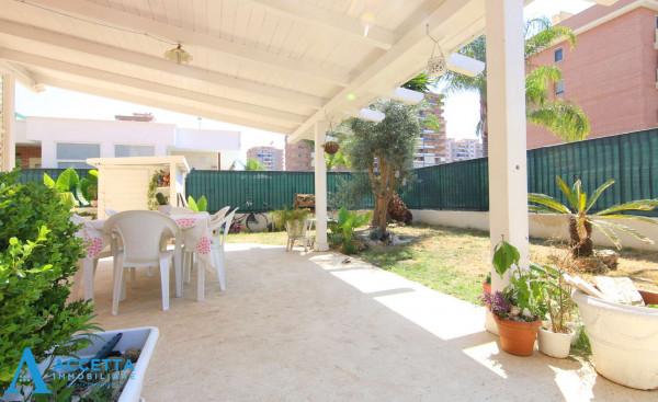 Appartamento in vendita a Taranto, Rione Laghi - Taranto 2, Con giardino, 88 mq