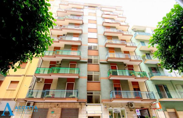 Appartamento in vendita a Taranto, Rione Italia, Montegranaro, 84 mq