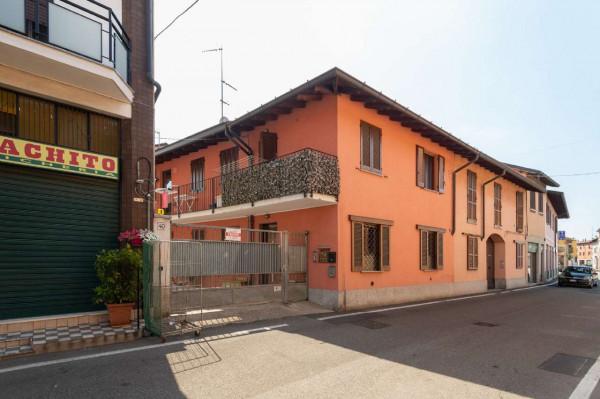 Appartamento in vendita a Origgio, 70 mq