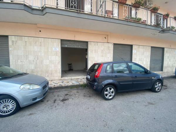 Negozio in affitto a Sant'Anastasia, Semi-centrale, 200 mq - Foto 7