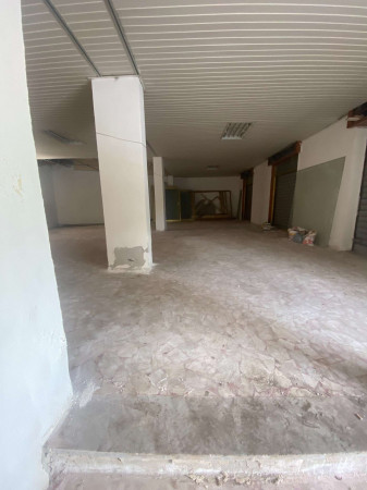 Negozio in affitto a Sant'Anastasia, Semi-centrale, 200 mq - Foto 3