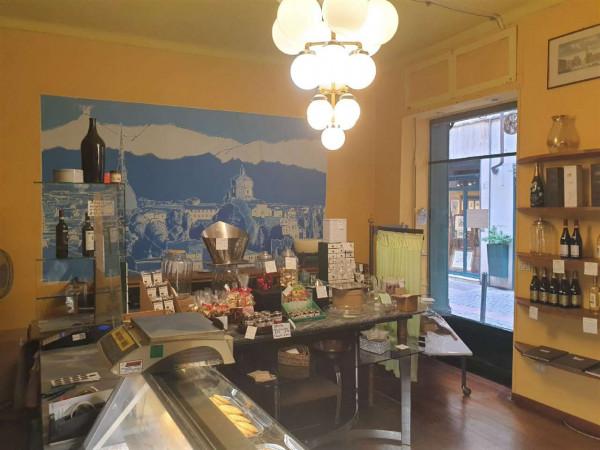 Locale Commerciale  in vendita a Torino, 100 mq