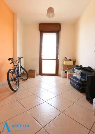 Appartamento in vendita a Taranto, Rione Laghi - Taranto 2, Con giardino, 130 mq - Foto 8