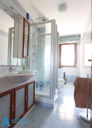 Appartamento in vendita a Taranto, Rione Laghi - Taranto 2, Con giardino, 130 mq - Foto 10