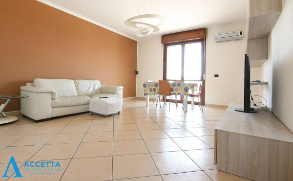 Appartamento in vendita a Taranto, Rione Laghi - Taranto 2, Con giardino, 130 mq