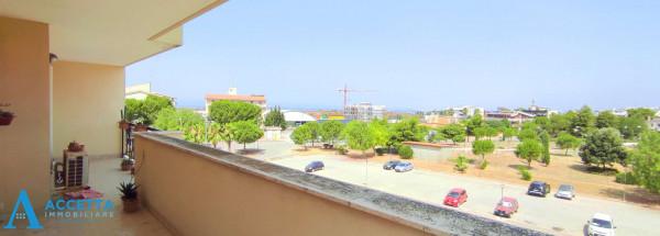 Appartamento in vendita a Taranto, Rione Laghi - Taranto 2, Con giardino, 130 mq - Foto 5