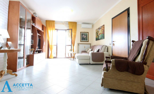 Appartamento in vendita a Taranto, Lama, 114 mq