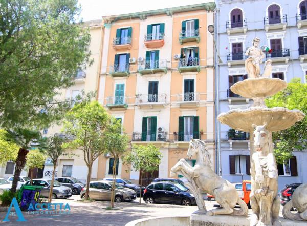 Appartamento in vendita a Taranto, Borgo, 74 mq