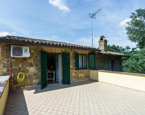Locale Commerciale  in vendita a Perugia, Via, Con giardino, 266 mq - Foto 24