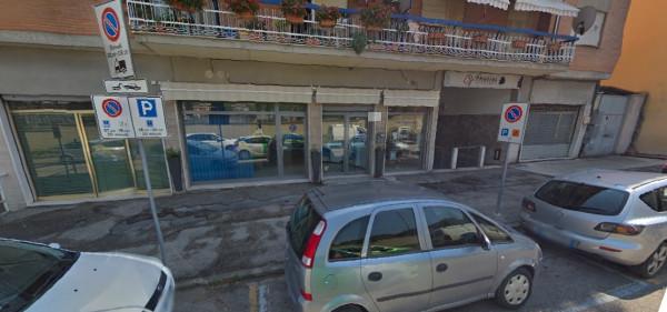 Locale Commerciale  in vendita a Spoleto, Centro, 65 mq - Foto 11