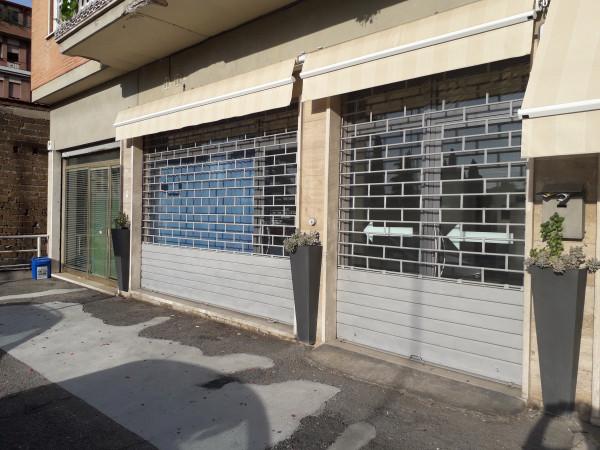 Locale Commerciale  in vendita a Spoleto, Centro, 65 mq - Foto 3