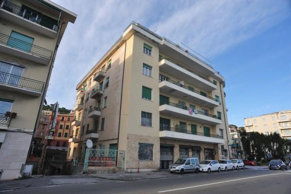 Bilocale in vendita a Genova, Pegli, 45 mq