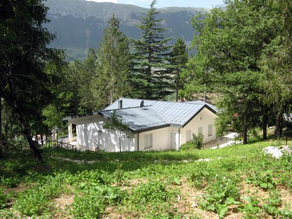 Villa in vendita a Sant'Eufemia a Maiella, Centro, Con giardino, 300 mq - Foto 2