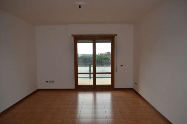 Appartamento in vendita a Roma, Acilia, Con giardino, 100 mq
