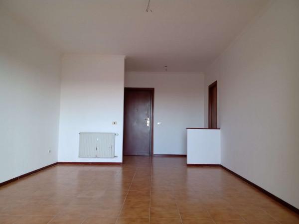 Appartamento in vendita a Roma, Dragoncello, Con giardino, 110 mq