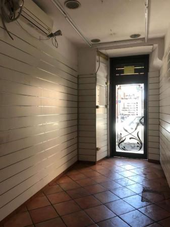 Locale Commerciale  in affitto a Roma, Via Nazionale, 65 mq