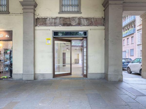 Locale Commerciale  in affitto a Torino, 110 mq