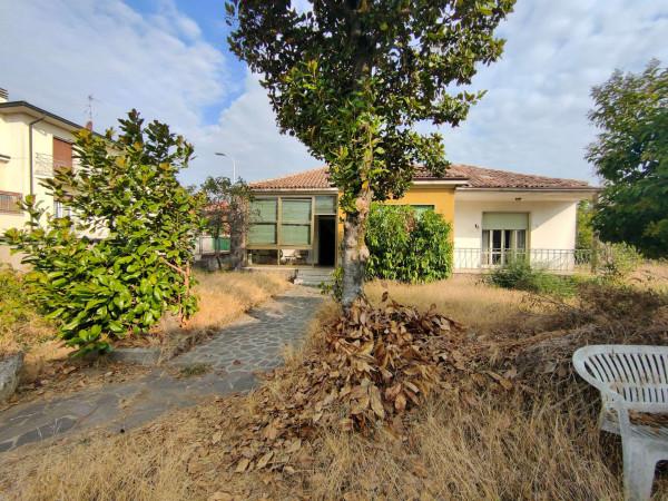 Villa in vendita a Monte Cremasco, Residenziale, Con giardino, 260 mq
