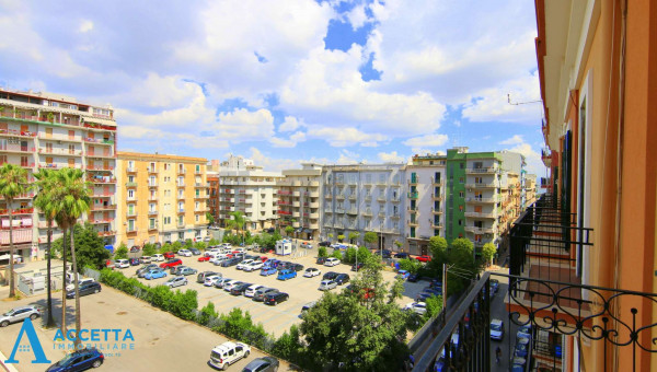 Appartamento in vendita a Taranto, Tre Carrare - Battisti, 83 mq