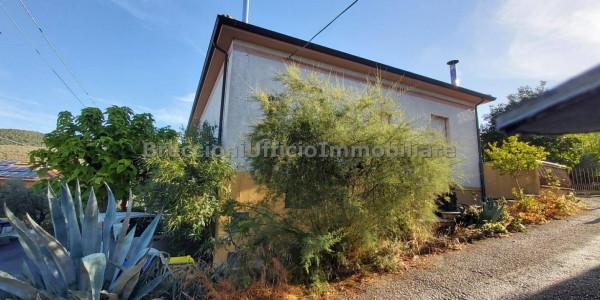 Casa indipendente in vendita a Trevi, Santa Maria In Valle, Con giardino, 135 mq