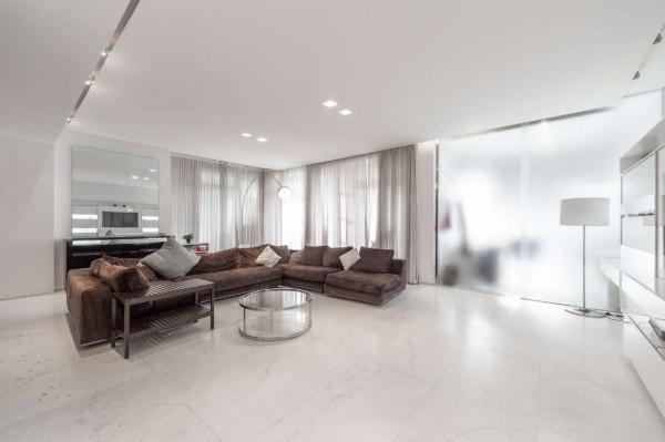 Appartamento in vendita a Milano, San Siro, Con giardino, 210 mq