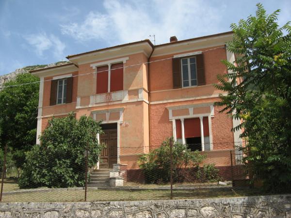 Villa in vendita a Gioia dei Marsi, Casali D'aschi, Con giardino, 352 mq