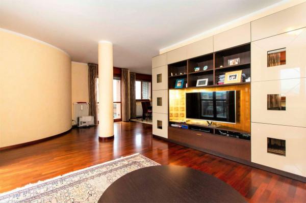 Appartamento in vendita a Torino, Arredato, con giardino, 168 mq