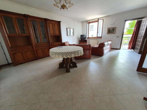 Villa in vendita a Boffalora d'Adda, Residenziale, Con giardino, 203 mq