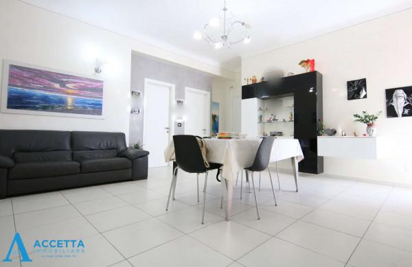 Appartamento in vendita a Taranto, Tre Carrare - Battisti, 84 mq